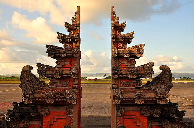 the split gate to heaven, at bali airport | the split gate t