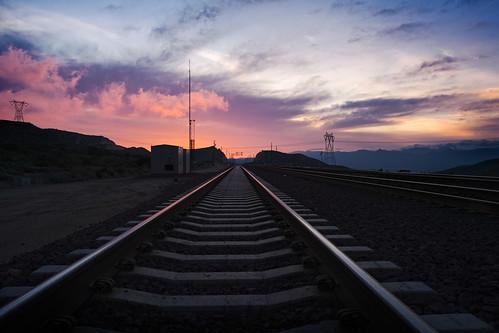 california mountains train sunrise landscape san tracks velvia 2009 bernardino csx muzzlehatch inttag