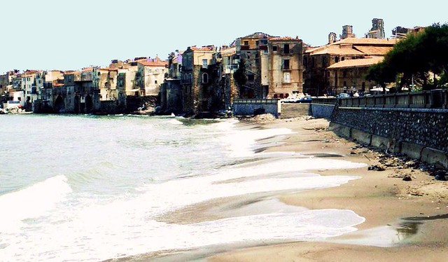 Sizilien - Strand in Cefalu