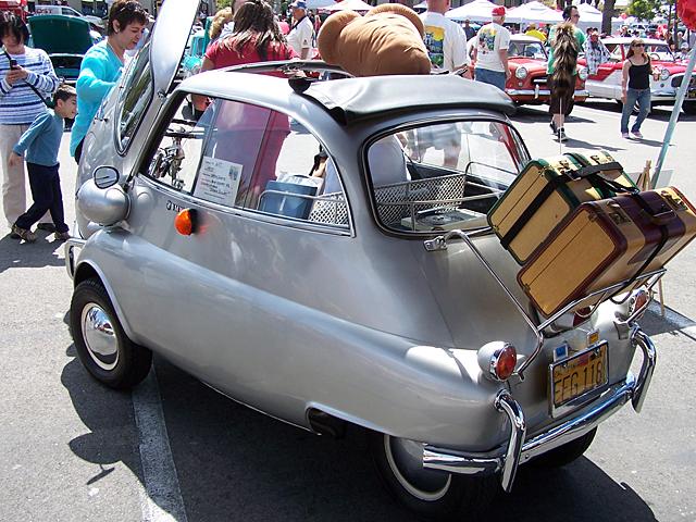 1957 Isetta.jpg