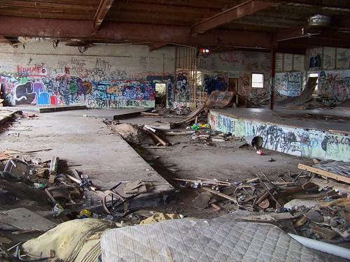 abandoned nightclub borschtbelt sullivancountyny swanlakeny