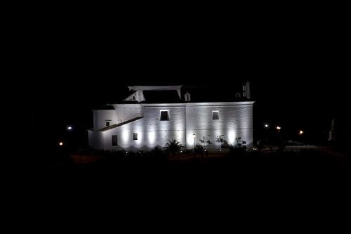 Ermita de noche   by adesarmiento