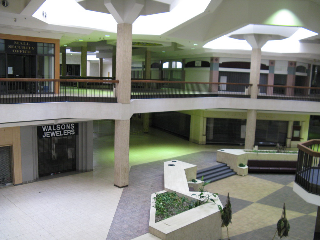 Randall Park was Once the World's Largest Shopping Mall ... |Randall Park Mall 2013