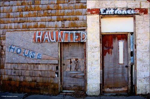 doors d70 signage princeton kansas ruraldecay deterioration hauntedhouseentrance