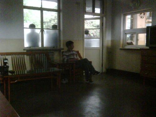 我们在中南海的一间办公室等待 | by dw_china