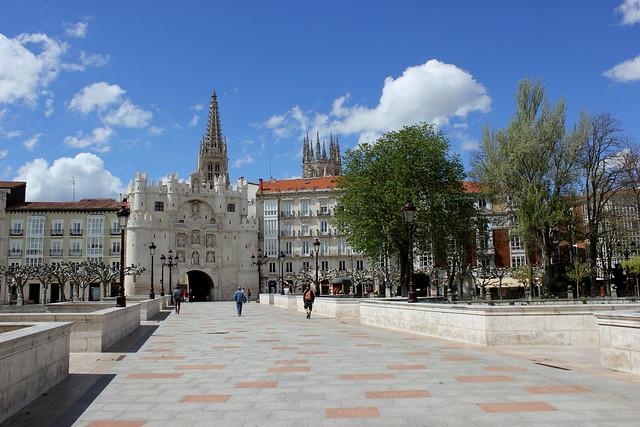 Puente y arco de Santa María, Burgos