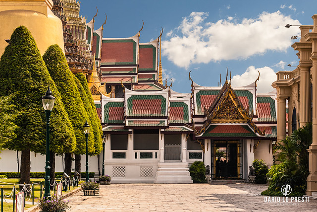 Wat Phra Kaew entrance