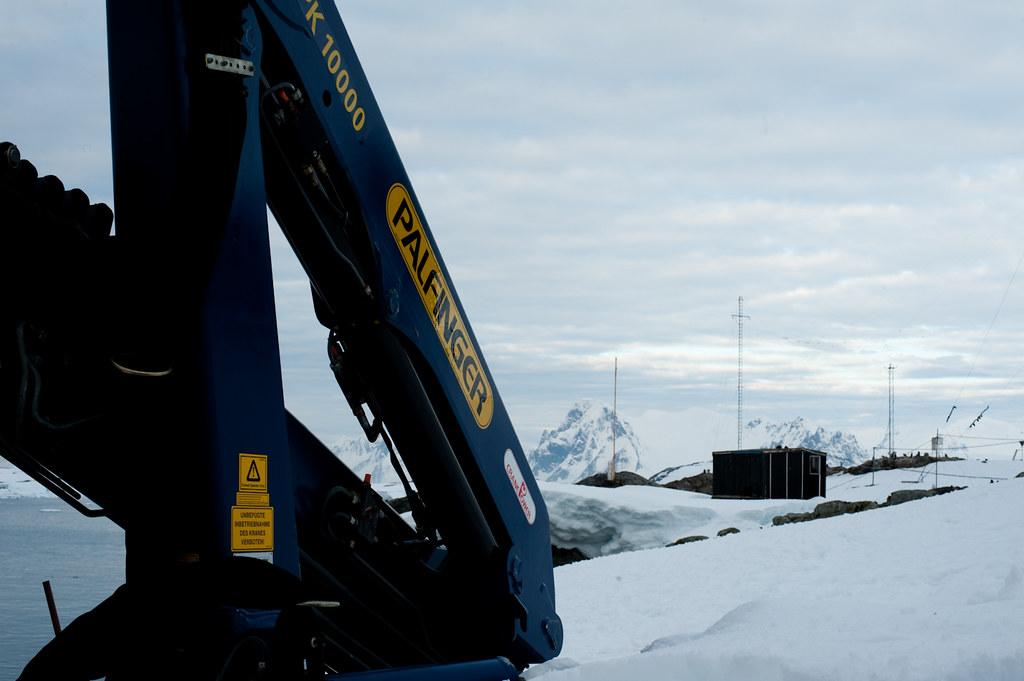 Antarctic Palfinger 10,000