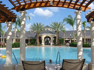 Pool and Spa at Rental Condo Complex | by Discount Vacation Rentals Online