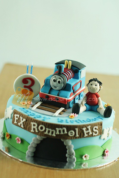Amazing Thomas Birthday Cake For Rommel 1205 Valentina Dapurmae Com Personalised Birthday Cards Sponlily Jamesorg