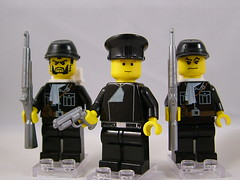 Eteilian Officer and Riflemen | by enigmabadger