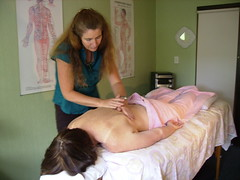 Charlotte Stuart treating an acupuncture patient in Nelson, New Zealand | by Wonderlane