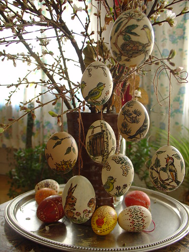 Decorated eggs with nestling birds | by olga_rashida
