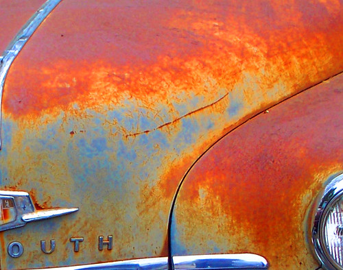 old car yellow junk rust automobile decay plymouth delapidation aplusphoto colourartaward