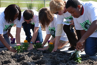 Oceanway Middle School on Earth Day with new outdoor classroom | by JAXPORT