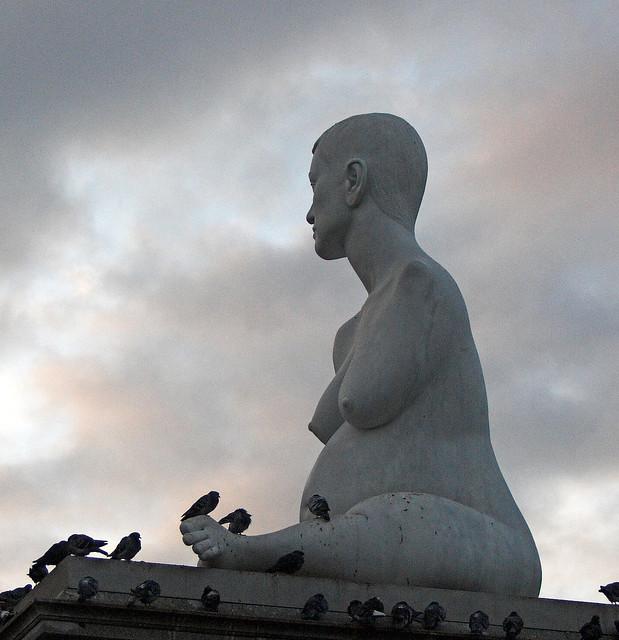 Armless Woman in Trafalgar Square