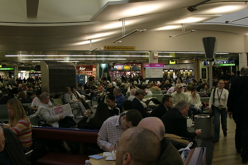 Heathrow T3 Departure Lounge, December 2005 | by Ian Fuller