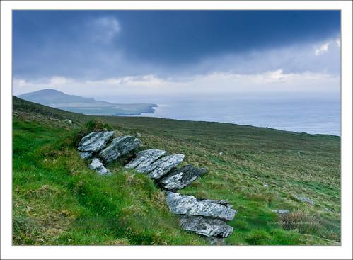 blue ireland sea seascape rock clouds sunrise landscape island waves kerry hour celtic munster chapeltown sonnar vario sonydsc sal2470za sonydslra900 2470mmf28zassm sonyzeissvariosonnar247028ssm kerrycovalentia 51°552755n10°204966w