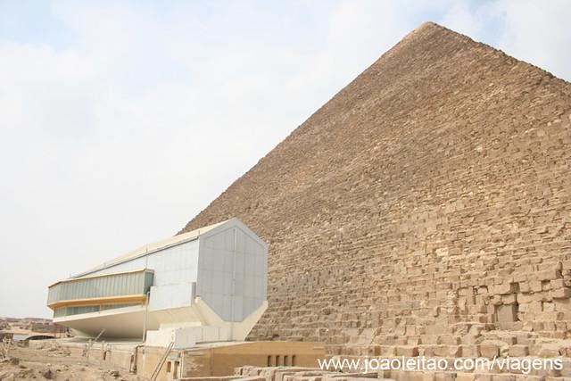 Museu-Barco-Farao-Queops-Khufu-Ship-Piramide-Gize-Cairo-Egipto