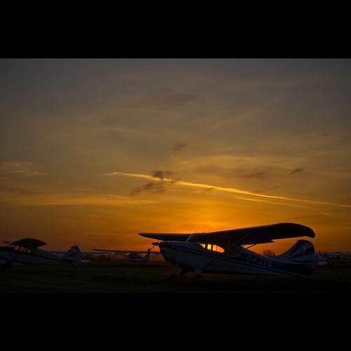 sunset airplane britishcolumbia may delta vob deltaheritageairpark