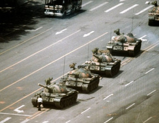 tank-man-tiananmen 1989