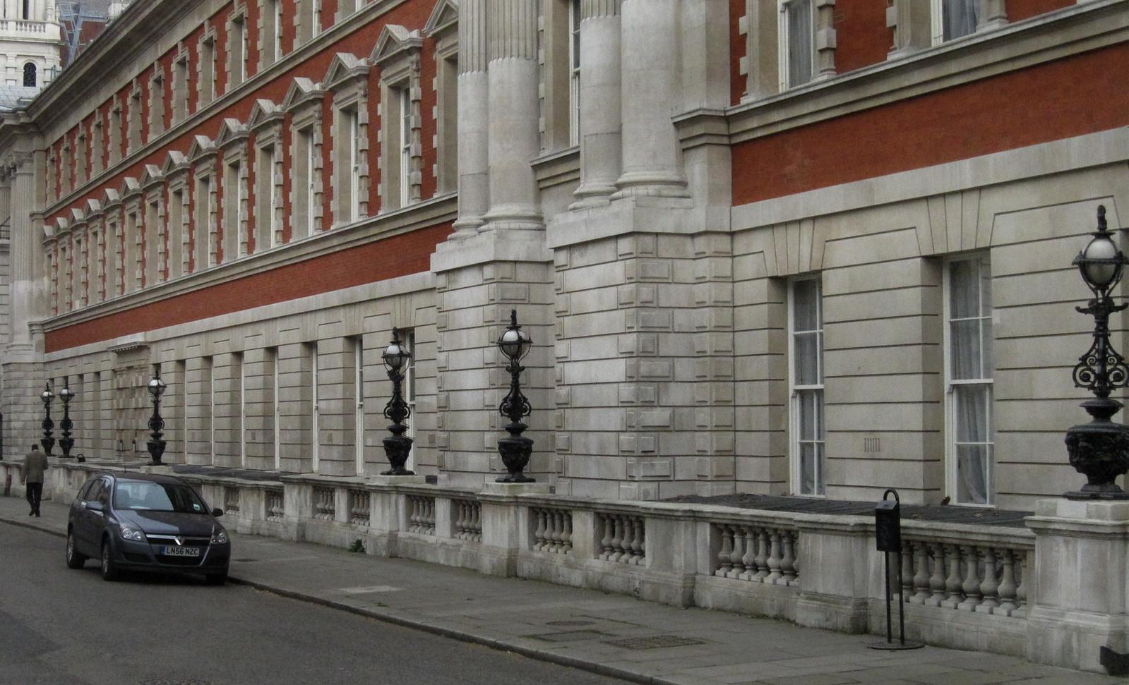 London 256