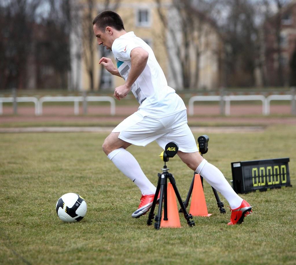 Interacción ensayo Tienda  Franck Ribéry startet den Nike
