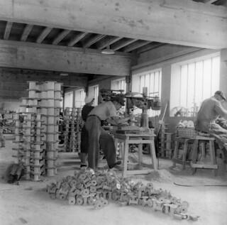 Fabrication de bobines dans les établissements Mouret