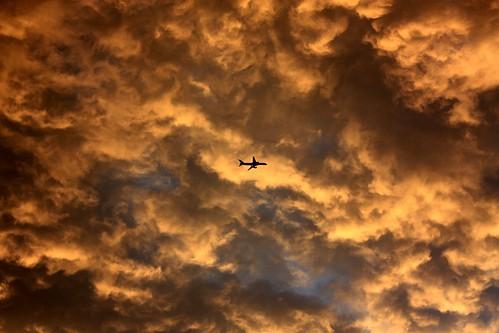 sunset cloud plane canonxsi