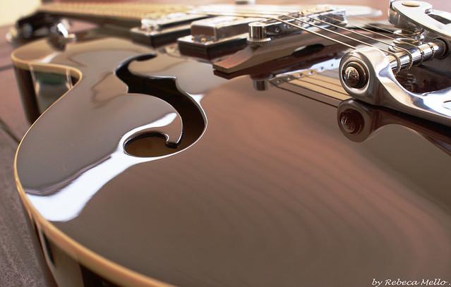 Gretsch... beautiful  guitar ...