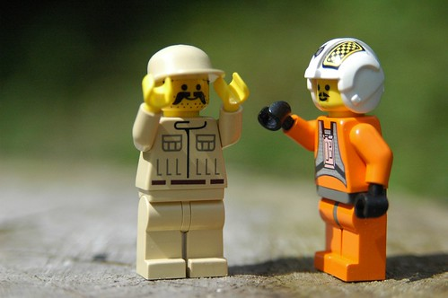 Star Wars Lego - pilot and mechanic | by Gareth Bellamy