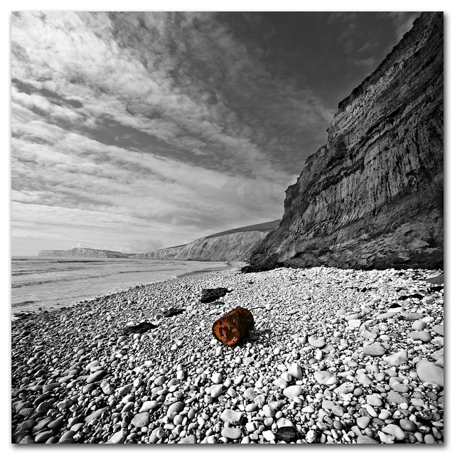 A small oil drum and big cliffs - Paradise lost (again)