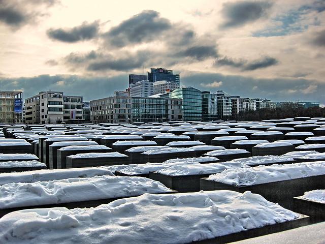 20100214 Berlin Mitte Potsdamer Platz Holocaust Mahnmal Winter Schnee (2)