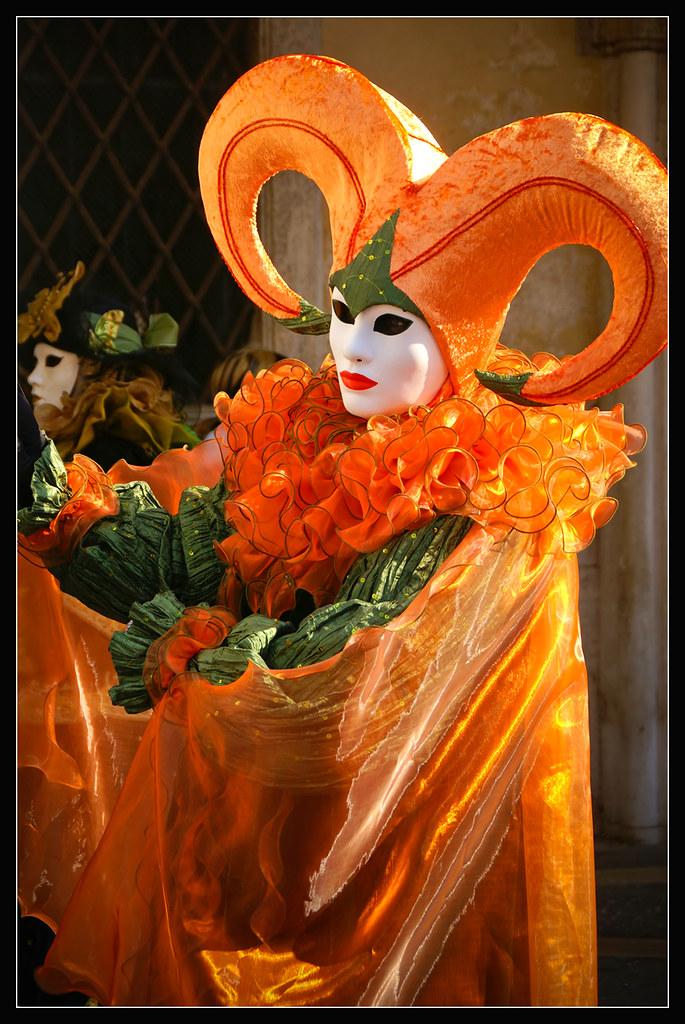 Orange Pulcinella