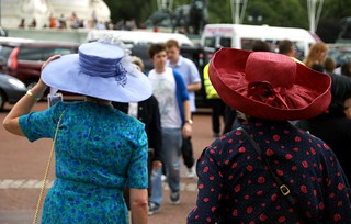 the ladies with the big hats, london | by hopemeng