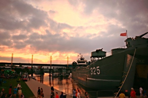 sunset red music orange white yellow night clouds reflections evening pier twilight flickr glow horizon gray tennesseeriver chattanoogatn rossslanding boardwalksbattleships noogastrong