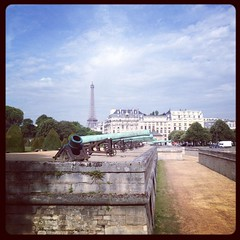 Sun shining #paris #parisnow #invalides