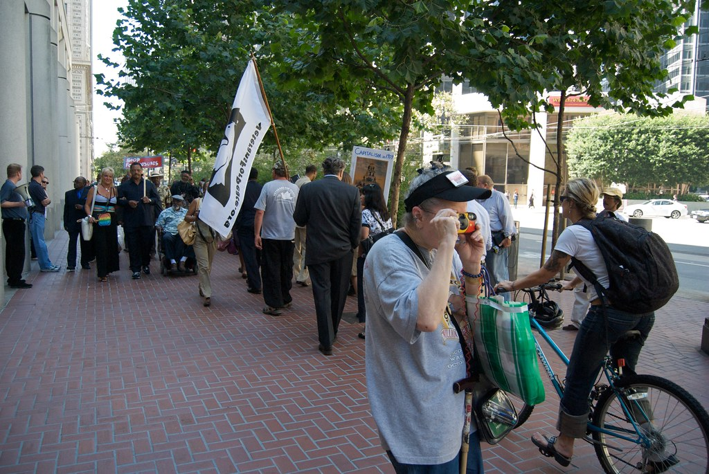 Foreclosure protest at San Francisco Federal Reserve Bank ...