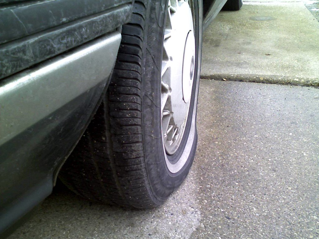 Low Tire Pressure >> Very Low Tire Pressure Just Noticed This Gonna Fill It Ba