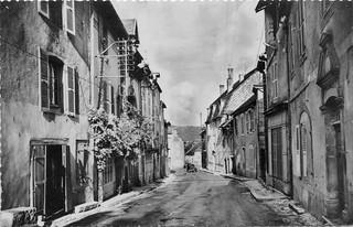 Rue de la République à Orgelet (Jura)
