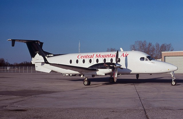C-FCMU@Winnipeg 14May02