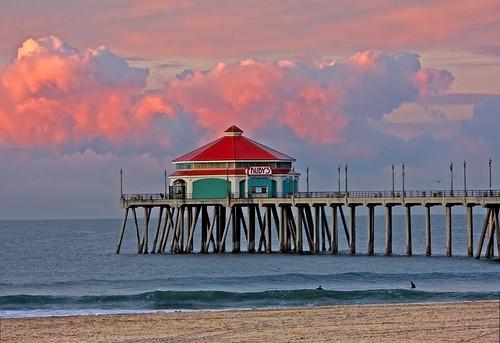 ocean california clouds sunrise pier cloudy huntington southerncalifornia orangecounty huntingtonbeach rubys hb huntingtonbeachpier southerncal orangecountycalifornia skyascanvas
