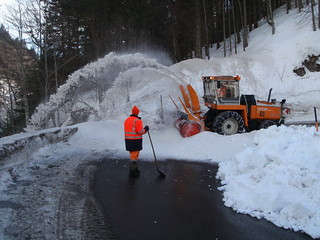 snow blower at work gave us an interessting brake on our way to Italy | by solarthermienator