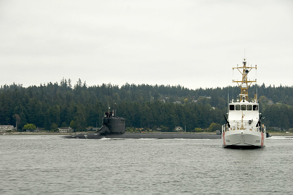 Escorts Seattle Wa >> Submarine Escort Seattle Wa September 18 2008 Us Co