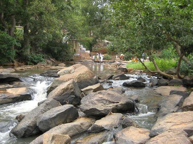 Falls near Arappalleeswarar Temple 4