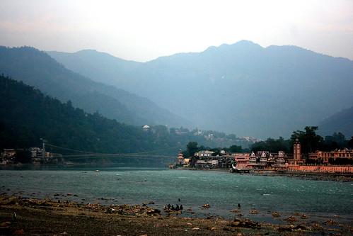 Rishikesh Ghat and Ram Jhulla | by ⌡K