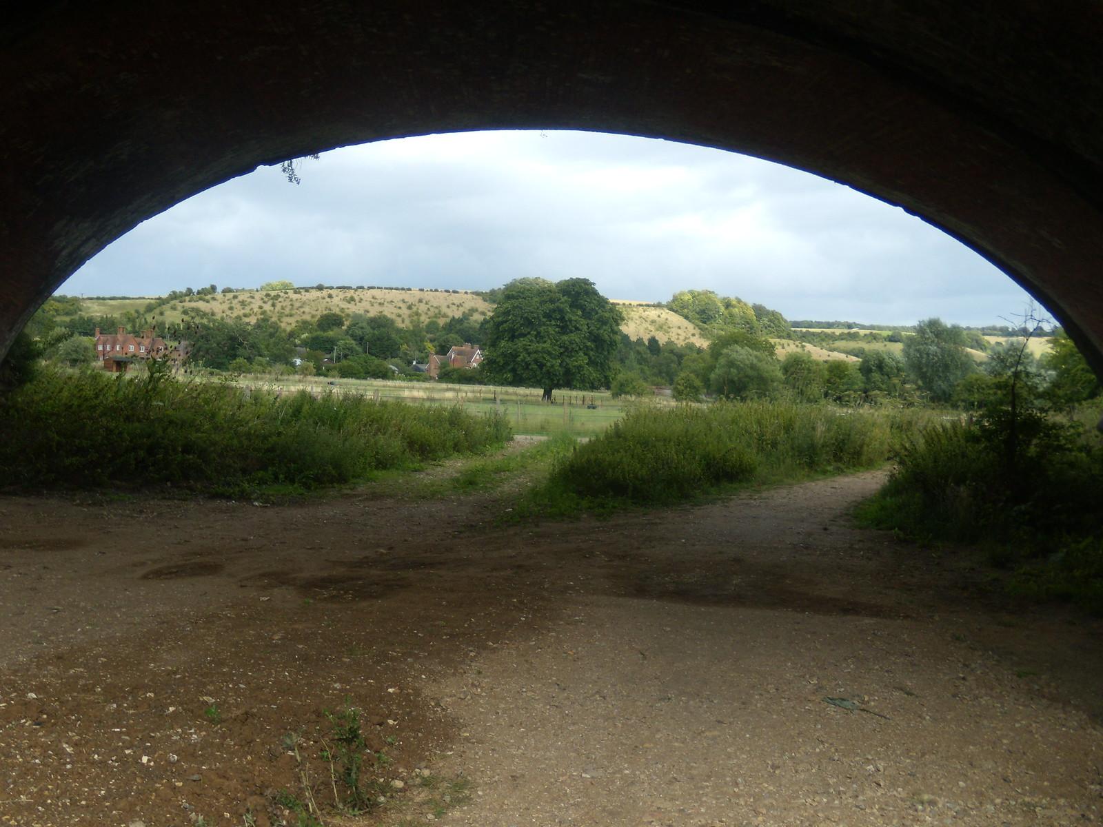 under the railway bridge YHA Pangbourne walk