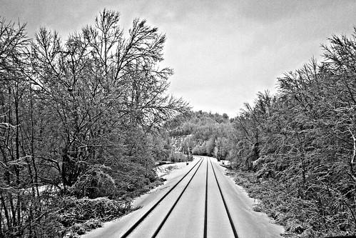 bw trains 123 123bw anawesomeshot winterwonderlandsnowwheelersburg ohwheelersburgsciotocounty ohohiomcmartincorimartinbwblackandwhiterailroadtracksnsnorfolksouthern