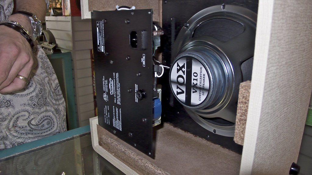 Vox AC4TV Interior- Celestion Speaker and Chassis | Maggie