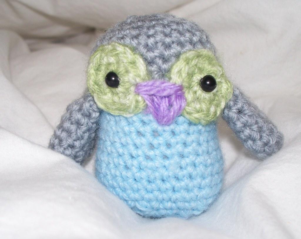 Ravelry: Baby Owl Ornaments pattern by Josephine Wu   815x1024